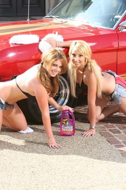washing car bikini