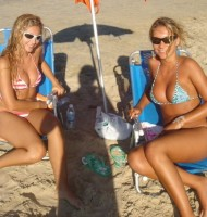 mom and daughter bikini umbrella babes