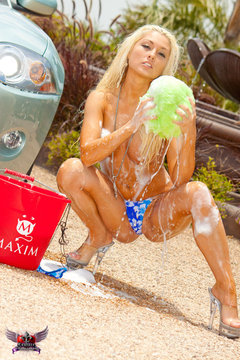 Nude blonde car wash