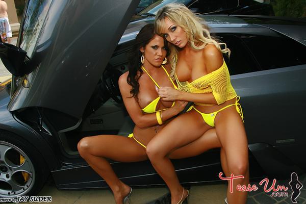 Bikini concurso auto show video