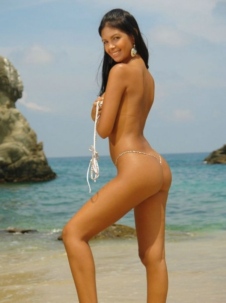 Starr knows Latina on beach