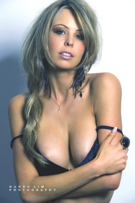 bikini nipple slip australian celebrities The bikini area is one of the most challenging areas of the body to wax, ...