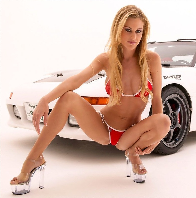 Love car show bikini girls couple