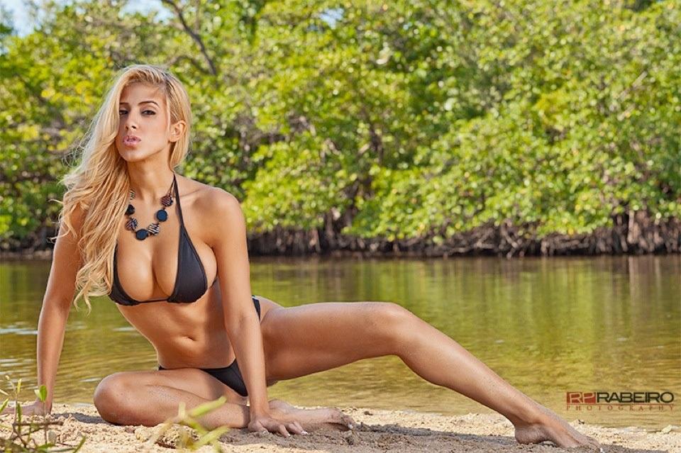 valeria orsini bikini nude naked topless   getabikini   usa