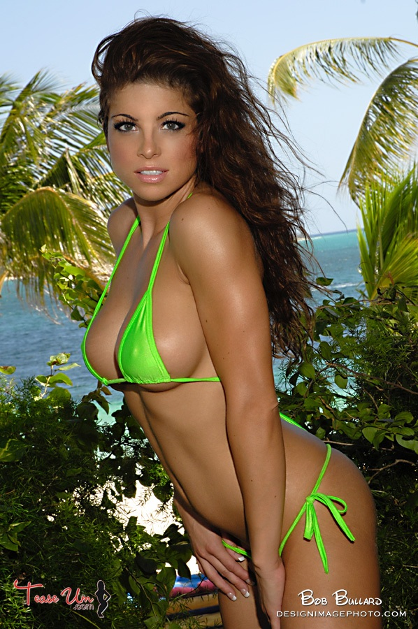 diana bello model bruenette tall green bikini