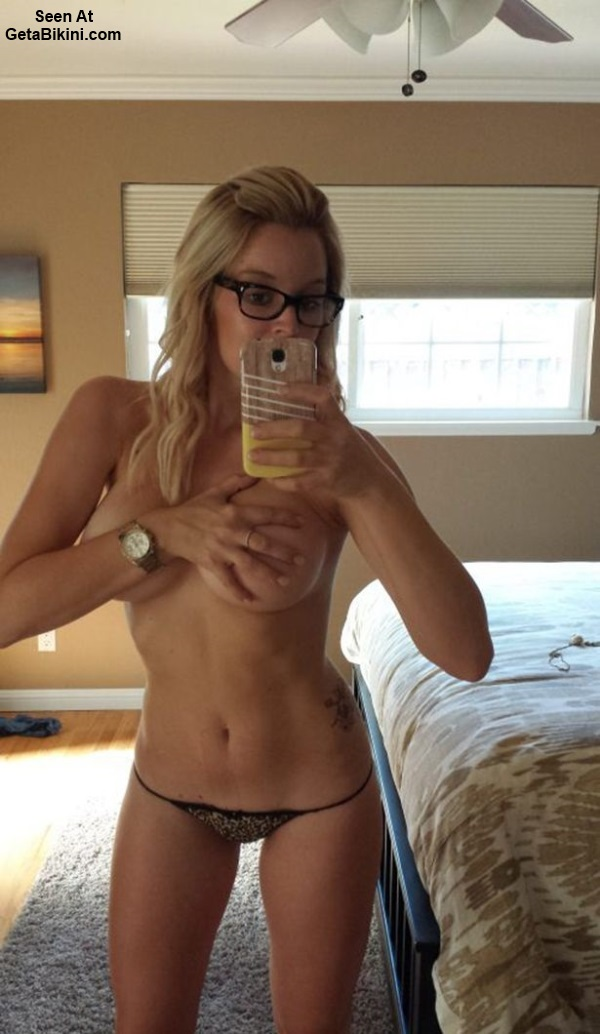 Tags: Top !0 Bikini Girls Self Pics Mirror Selfies