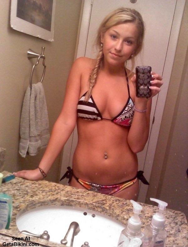 young slut selfpic nude bathroom